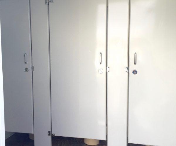 Medium female Restroom Trailer Rentals DE - female inside 3